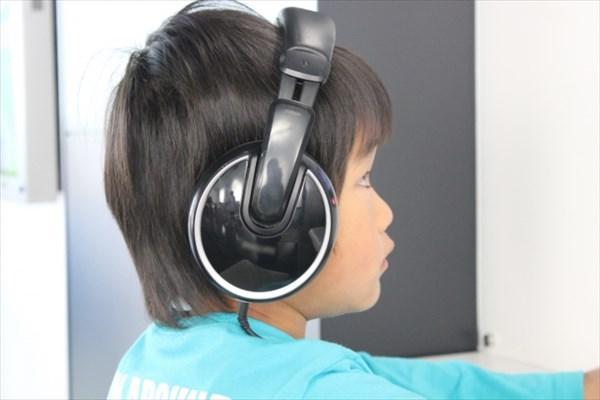 6歳までなら違う音声周波を聞き取れる